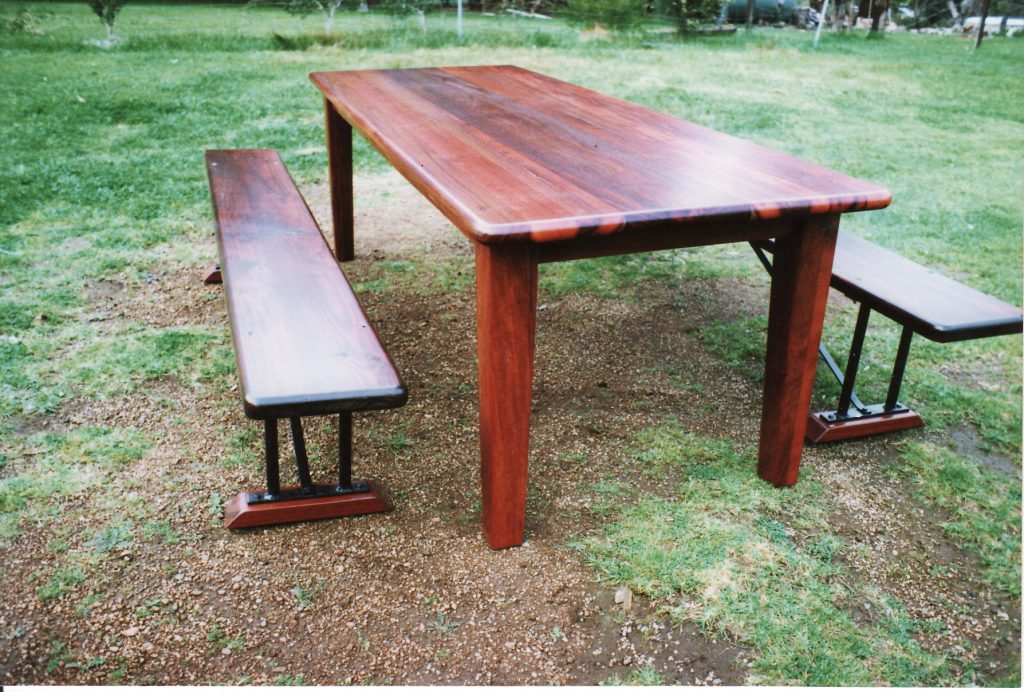Table & Bench Seats